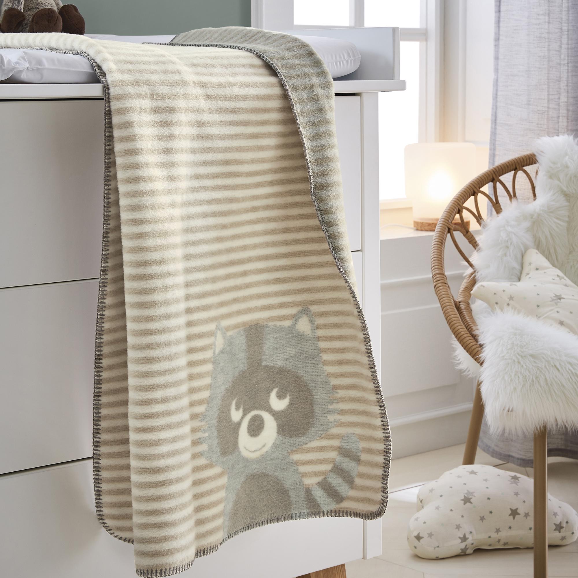 babydecke s oliver junior 1114 kinderdecke natur grau mit s em waschb rmotiv schmusedecke. Black Bedroom Furniture Sets. Home Design Ideas